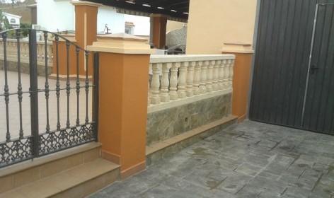 pilares,balaustra y escalon
