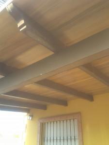 Construcci n de techo de losa imitaci n madera for Losa techo